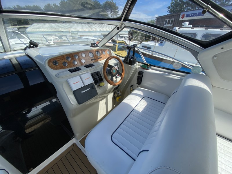 Sealine S28 for sale at Harbour Marine